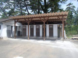 キャンプ場シャワー室屋根設置工事(民間)